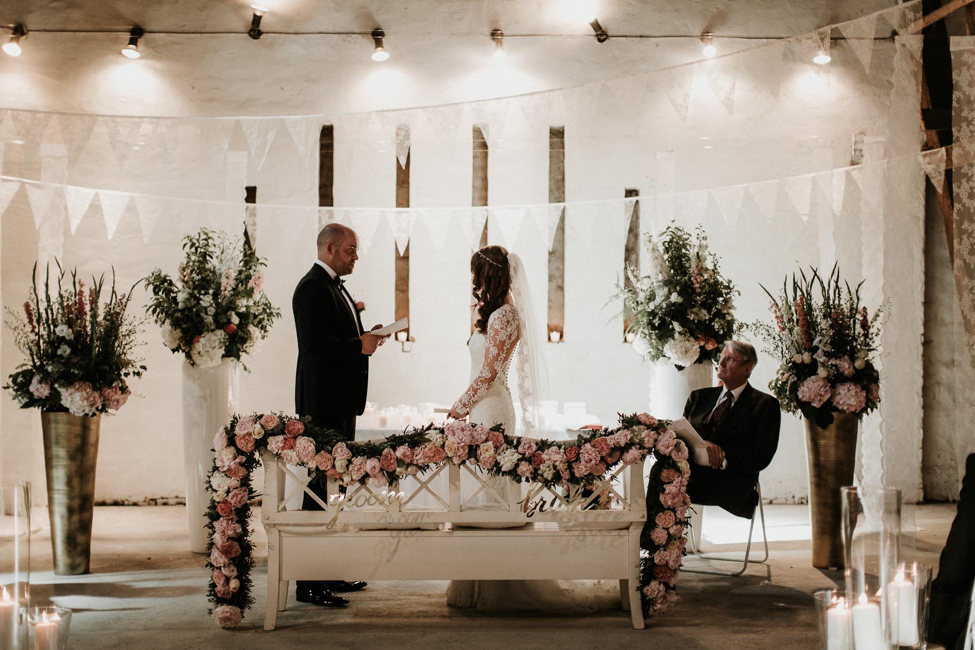 DanielaMarquardtPhotography_Hochzeitsfotograf_Düsseldorf_Köln_Mallorca_Bayern_Austria_Harz_Wedding_AileenundLennart_Weddingphotographer_Ibiza_Tuskany_Italien_Toskana_Portugal_Lissabon135