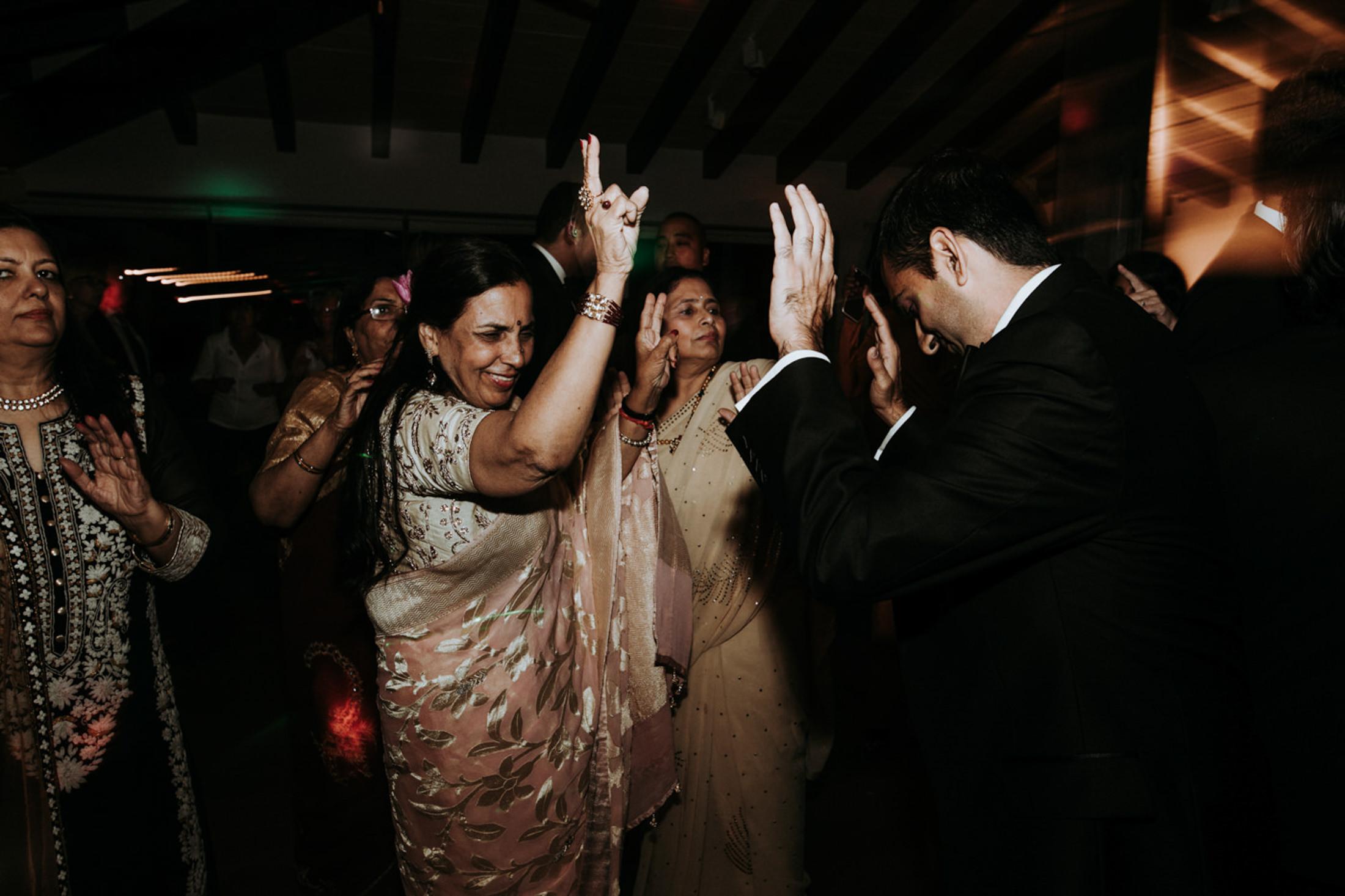 Wedding_Photographer_Mallorca_Daniela-Marquardt_Photography_New_York_Iceland_Tuscany_Santorini_Portugal_Austria_Bavaria_Elopement_Hochzeitsfotograf_AntjeRajat2_123