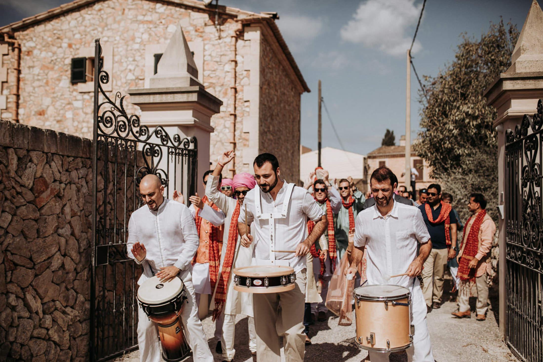 Wedding_Photographer_Mallorca_Daniela-Marquardt_Photography_New_York_Iceland_Tuscany_Santorini_Portugal_Austria_Bavaria_Elopement_Hochzeitsfotograf_AntjeRajat2_25