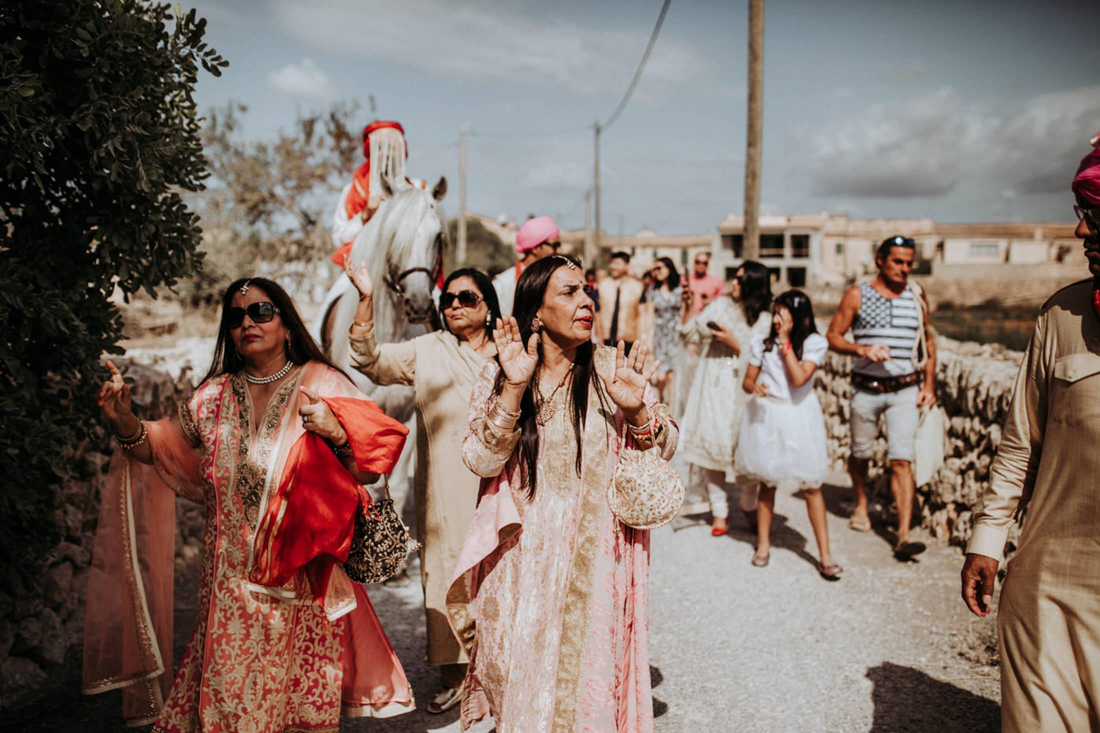Wedding_Photographer_Mallorca_Daniela-Marquardt_Photography_New_York_Iceland_Tuscany_Santorini_Portugal_Austria_Bavaria_Elopement_Hochzeitsfotograf_AntjeRajat2_29